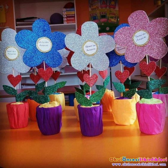 8 Mart Dunya Kadinlar Gunu Hediye Cicekleri Okul Oncesi